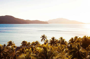 View over Catseye Beach on Hamilton Island