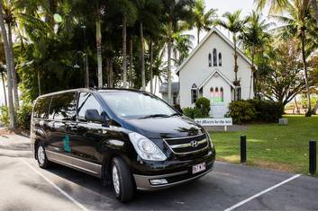 Private Transfer 1-4 People Port Douglas to Cairns City/Airport