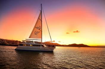 Cairns Harbour Dinner Cruise